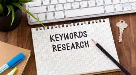 Why Bloggers Should Focus on Long-Tail vs Short-Tail Keywords
